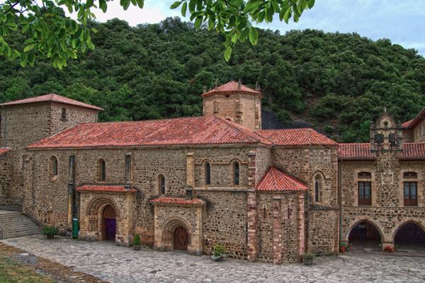 Монастырь Санто Торибио Кантабрия